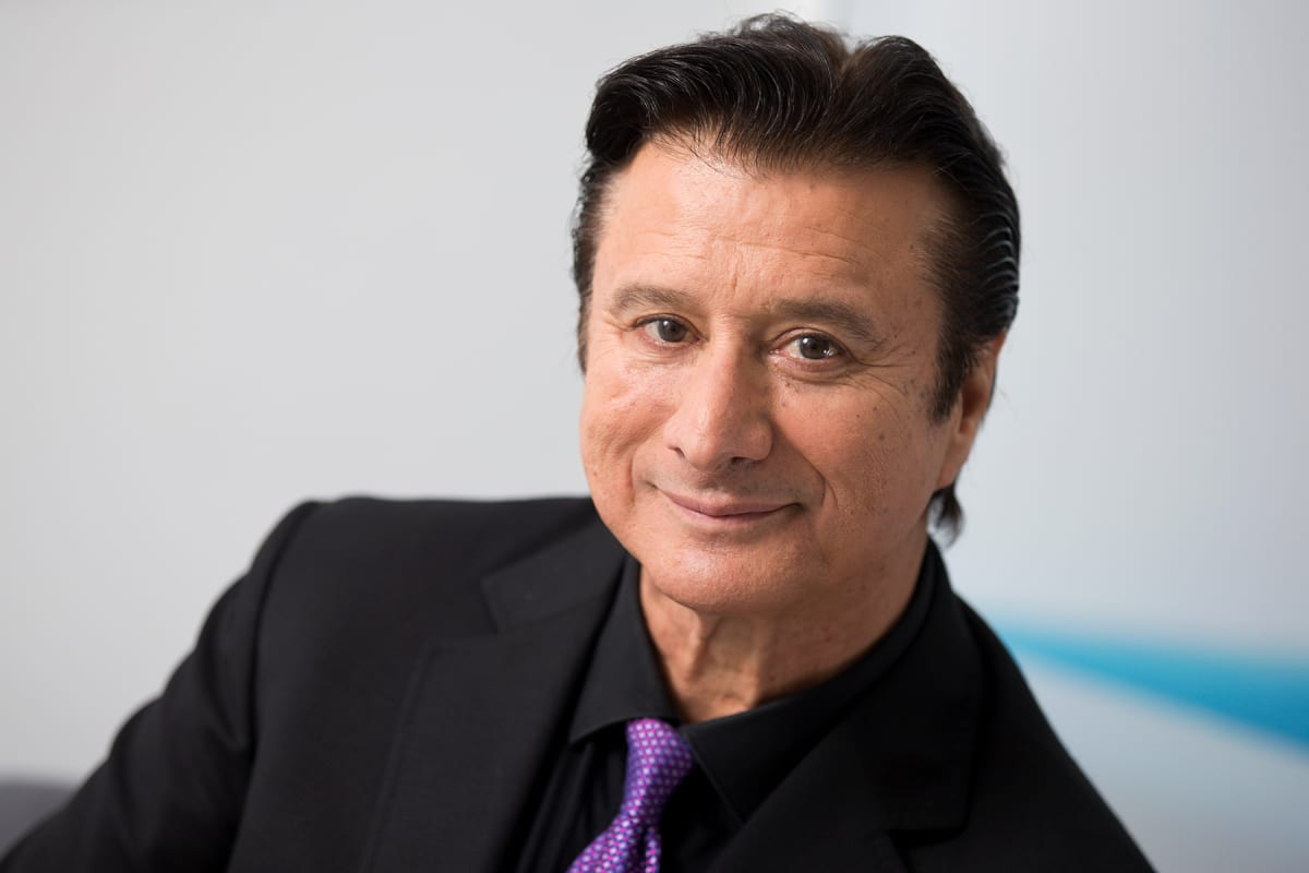 Steve Perry Wants To Sing